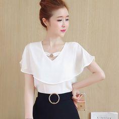 2017 Summer Women Korean V Neck Chiffon Shirt Loose Short Sleeve Blouse Tops Blouse Styles, Blouse Designs, Fashion Advertising, Chiffon Shirt, Blouse Online, Short Tops, Short Sleeve Blouse, Blouses For Women, Dress Skirt