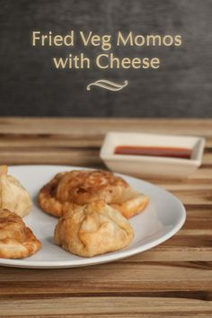 Fried Veg Momos with Cheese - Tibetan Dumplings www.masalaherb.com #stepbystep #recipe