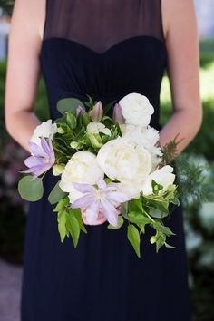 chic wedding bouquet; photo: Sarah Kate Photography
