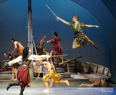 A Peter Pan ballet for entertainment (or a small opening ceremony? Peter Pan Play, Peter Pan Jr, Trajes Peter Pan, Peter Pan Musical, Petar Pan, Ballet Theater, Musical Theatre, Ballet Shows, Peter And The Starcatcher