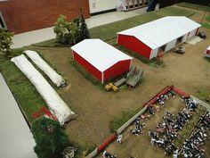 Pictures from the 2012 National Farm Toy Show held in Dyersville, Iowa. Toy Display, Display Ideas, Dyersville Iowa, John Deere Toys, Goat House, Farm Village, Farm Layout, Farm Toys, Mini Farm