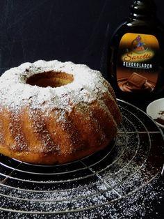 Saftiger geht es nicht: Tiramisu-Gugelhupf mit Kaffeesirup und Schokoladenlikör