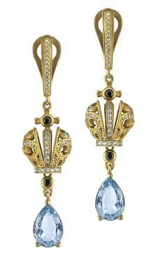 Earrings crowns