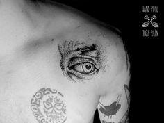 David eye. Handpoked by 100%PAIN TATTOO. JOIN! https://www.facebook.com/groups/1526764584213662/  #handpoketattoo #stickandpoke #blacktattoo #tattoo #dotwork #darkartists #tattooed