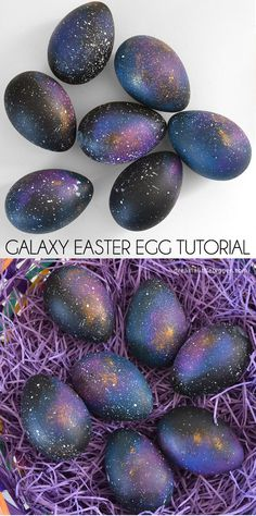 Easter Egg Tutorial - Dream a Little Bigger Make some galaxy Easter eggs that are out of this world!Make some galaxy Easter eggs that are out of this world! Hoppy Easter, Easter Bunny, Holiday Fun, Holiday Crafts, Galaxy Easter Eggs, Easter Crafts, Crafts For Kids, Easter Ideas, Bunny Crafts