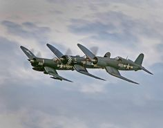 Corsairs Ted Williams, the Baseball Hall of Fame Outfielder flew a Corsair in WWII. Ww2 Aircraft, Fighter Aircraft, Military Aircraft, Fighter Pilot, Fighter Jets, Air Fighter, Image Avion, F4u Corsair, American Fighter