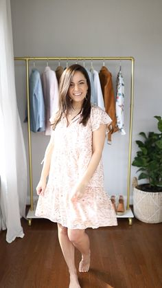 Fall Fashion Tips Two Spring Dresses Styled Six Ways Petite Outfits, Petite Dresses, Mode Outfits, Fashion Outfits, Fashion Tips, Fashion Ideas, Nyc Fashion, Fashion Quotes, Ladies Fashion