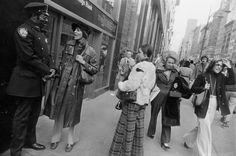 Garry Winogrand: In the street -New York, 1972, gelatin-silver print