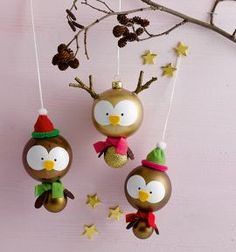 Design charming figures from Christmas balls yourself & create cute Christmas decorations yourse Diy Christmas Activities, Cute Christmas Decorations, Noel Christmas, Christmas Balls, Winter Christmas, Ornament Crafts, Xmas Ornaments, Holiday Crafts, Homemade Ornaments