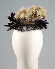 1885 Ensemble hat front