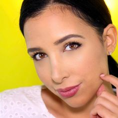 NEW VIDEO is up on my channel!! 🎉💗 With a bunch of tips for your eyeliner DOs and DONTS!! 😍 link in bio 💗💗💗💗💗  ---------  Los looks simples son mis favoritos 😍💗 Ustedes que dicen??