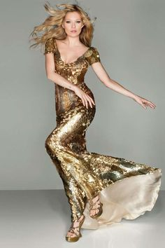 Kate Moss looking glam in metallic gold #metallic boohoo.com