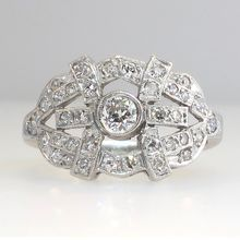 Tasteful Heavy Retro Diamond Cocktail Right Hand RIng Platinum