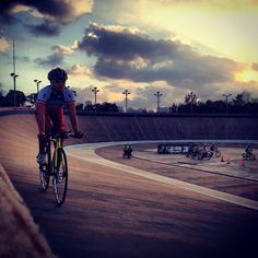 Hong Kong Nationa Team training at the velodrome. Photo by le8icycle