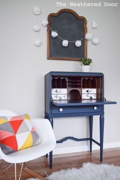 Gorgeous Navy Secretary Desk, come see the before of this pretty secretary desk makeover. So pretty! Lots of home decor inspiration! Furniture Projects, Cool Furniture, Painted Furniture, Diy Projects, Vintage Furniture, Desk Makeover, Furniture Makeover, Furniture Inspiration, Home Decor Inspiration