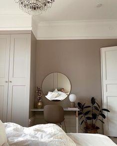 47 Most Popular Apartment Bedroom Design Ideas Room Ideas Bedroom, Home Bedroom, Bedroom Decor, Bedrooms, Minimalist Room, Aesthetic Room Decor, My New Room, Home Decor Inspiration, Decor Ideas