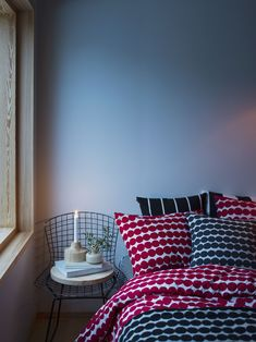 Vases with a Nordic twist - Buy online from Finnish Design Shop. Wide selection of classic and modern design! Marimekko, Double Duvet Covers, Minimalist Interior, Home Collections, Cushion Covers, Pattern Design, House Design, Design Shop, Cool Designs