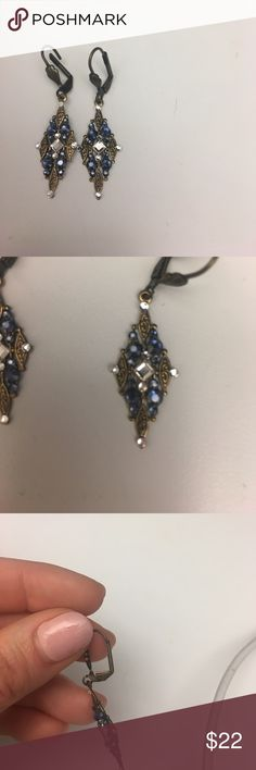Crystal drop earrings Beautiful earrings, perfect condition! Silver and blue crystals Jewelry Earrings