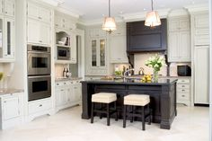 Traditional kitchen via www.cmidesign.ca #CMID #interiordesign