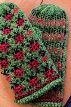 Ravelry: Ladybug Picnic Mittens pattern by Elinor Brown