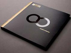 New design brochure cover circles Ideas Brochure Indesign, Template Brochure, Brochure Cover Design, Corporate Brochure Design, Brochure Layout, Business Card Design, Creative Brochure Design, Creative Design, Leaflet Design