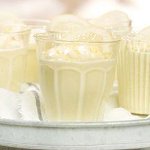 Zitronen-Joghurt-Mousse Light Desserts, Low Carb Desserts, No Bake Desserts, Delicious Desserts, Dessert Recipes, Dessert In A Jar, Dessert Drinks, Eat Dessert First, Low Carb Waffles