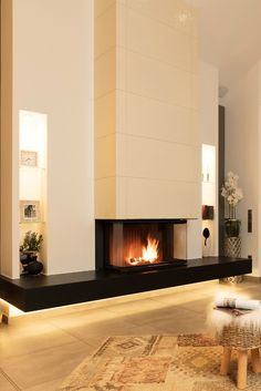 42 extraordinary modern fireplace designs that are comfortable this winter 7 ~ Beautiful House Lovers Living Room Decor Fireplace, Home Fireplace, Fireplace Remodel, Modern Fireplace, Fireplace Surrounds, Fireplace Design, Fireplace Mantels, Foyer Design, House Design
