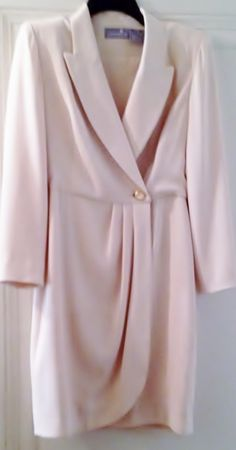 Lix Claiborne dress..view here..http://stores.ebay.com/2014ctayltreasures