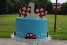 Show us your party – Max's cute car birthday cake