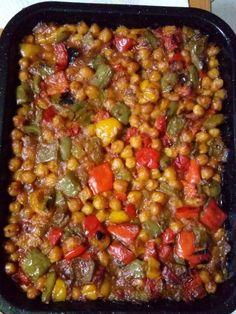 Greek Cooking, Fun Cooking, Cooking Recipes, Bean Recipes, Vegetarian Recipes, Healthy Recipes, Cypriot Food, Greek Dishes, Mediterranean Recipes