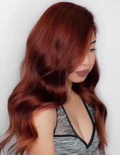 Have all eyes on you with one of these chic auburn hair ideas. The 50 auburn hair color solutions that'll inspire you to book your hair appointment asap. Deep Auburn Hair, Light Auburn Hair Color, Hair Color Dark Red, Light Red Hair, Orange Brown Hair, Red Hair Brown Skin, Red Hair Inspo, Ginger Hair Color, Aesthetic Hair