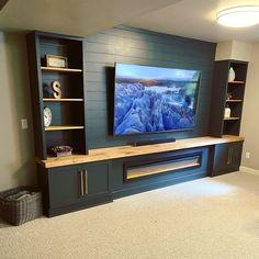 Built In Shelves Living Room, Basement Living Rooms, Living Room Wall Units, Living Room Tv Unit Designs, Home Living Room, Home Entertainment, Basement Entertainment Center, Room Deco, Basement Makeover