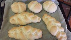 Homemade and jummie! Makkelijke en snelle broodjes uit eigen oven http://www.bakkenzoalsoma.nl/2012/10/in-5-stappen-harde-broodjes-uit-je-eigen-oven.html/