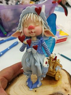 De Imayara Pascual.. Polymer Clay People, Polymer Clay Dolls, Polymer Clay Miniatures, Clay Fairies, Elves And Fairies, Kobold, Marionette, Fairy Figurines, Baby Fairy