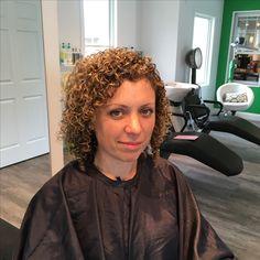 Hair And Beauty Salon, Beauty Bar, Hair Cutting Techniques, Teased Hair, Spiral Curls, Deva Curl, Perms, Permed Hairstyles, Glaze