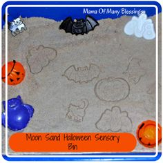 Halloween Sensory Bin ~ Using DIY Moon Sand, cookie cutters, and pumpkin containers. Great sensory bin for hours of fun!