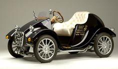 Future Retro Car