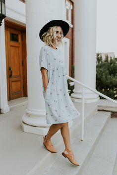 Embroidered Linen Dress    ROOLEE