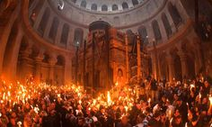Christian worshippers celebrate Easter's Holy Fire ceremony at Kanisat Al - Qiyamah, Al Quds, Falasteen Pastor David, Holy Saturday, Orthodox Easter, Crucifixion Of Jesus, Sign Of The Cross, Religious Architecture, Holy Week, Pictures Of The Week, Holy Land