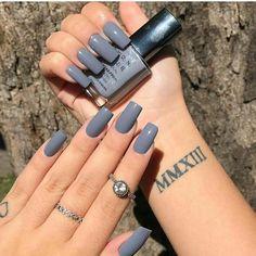 Semi-permanent varnish, false nails, patches: which manicure to choose? - My Nails Aycrlic Nails, Hair And Nails, Bling Nails, Perfect Nails, Gorgeous Nails, Stylish Nails, Trendy Nails, Nail Paint Shades, Stil Inspiration