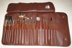 Make-up tools – brushes