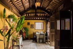 vietnam traditional house results - ImageSearch House Architecture Styles, Interior Architecture, Interior And Exterior, Interior Design, Traditional Interior, Traditional House, Traditional Design, Style At Home, Outdoor Restaurant