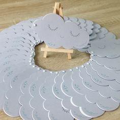 Faire parts de naissance Nuages avec photo et enveloppes coordonnées Visibles sur Etsy et www.lapetitecarteriefoxy.com