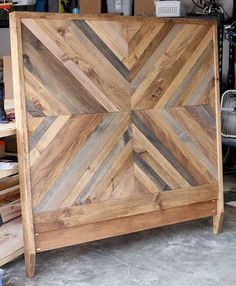 How to build a DIY Reclaimed Wood Chevron West Elm Alexa Bed - Bed Headboard - Ideas of Bed Headboard - How to build a DIY West Elm-inspired Alexa Reclaimed Bed Reclaimed Wood Beds, Reclaimed Wood Projects, Reclaimed Furniture, Pallet Wood, Pallet Beds, Pallet Art, Furniture Projects, Home Projects, Diy Furniture