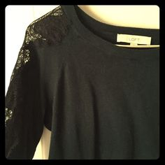 Ann Taylor Loft Lace Detail Sweater Dark Green soft sweater with black lace down both arms. A little wear but still has a lot of life in it! Will be dry cleaned before it ships :) LOFT Sweaters Crew & Scoop Necks
