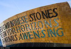 Wales Millennium Centre, Canolfan Mileniwm Cymru, home of Welsh National Opera, WNO, Cardiff Bay, Cardiff, Caerdydd, Wales, UK. © Jevgenija Pigozne / Alamy