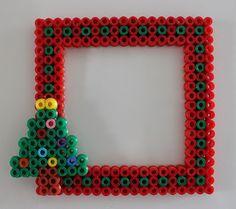 Mamma Gioca: Perline da stirare: la cornicetta natalizia.
