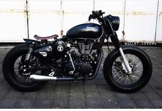 RE Classic Mantap jaya 'kan? Motos Royal Enfield, Enfield Bike, Enfield Motorcycle, Royal Enfield Thunderbird Modified, Royal Enfield Modified, Classic 350 Royal Enfield, Enfield Classic, Royal Enfield Stickers, Bullet Modified