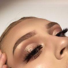 Eyes- @morphebrushes x @jaclynhill palette   @maccosmetics 'tan' pigment   Brows- @nyxcosmetics micro brow   Lashes- @sosu_bysuzannejackson   Base- @fentybeauty   Glow- @anastasiabeverlyhills @norvina thatgliw GK   Brushes- @morphebrushes -  -  #morphexjaclynhill #morphebrushes #nyxcosmetics #makeup #anastasiabeverlyhills #norvina #abhglowkit