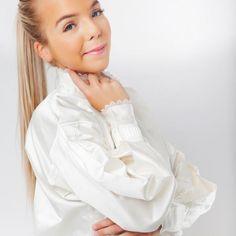 Nuperelleskjorte Silke-0 Ruffle Blouse, Tops, Women, Fashion, Blouse, Moda, Fashion Styles, Fashion Illustrations, Woman